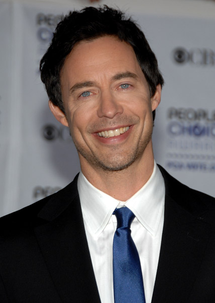 http://static.cinemagia.ro/img/db/actor/00/22/45/tom-cavanagh-992337l.jpg