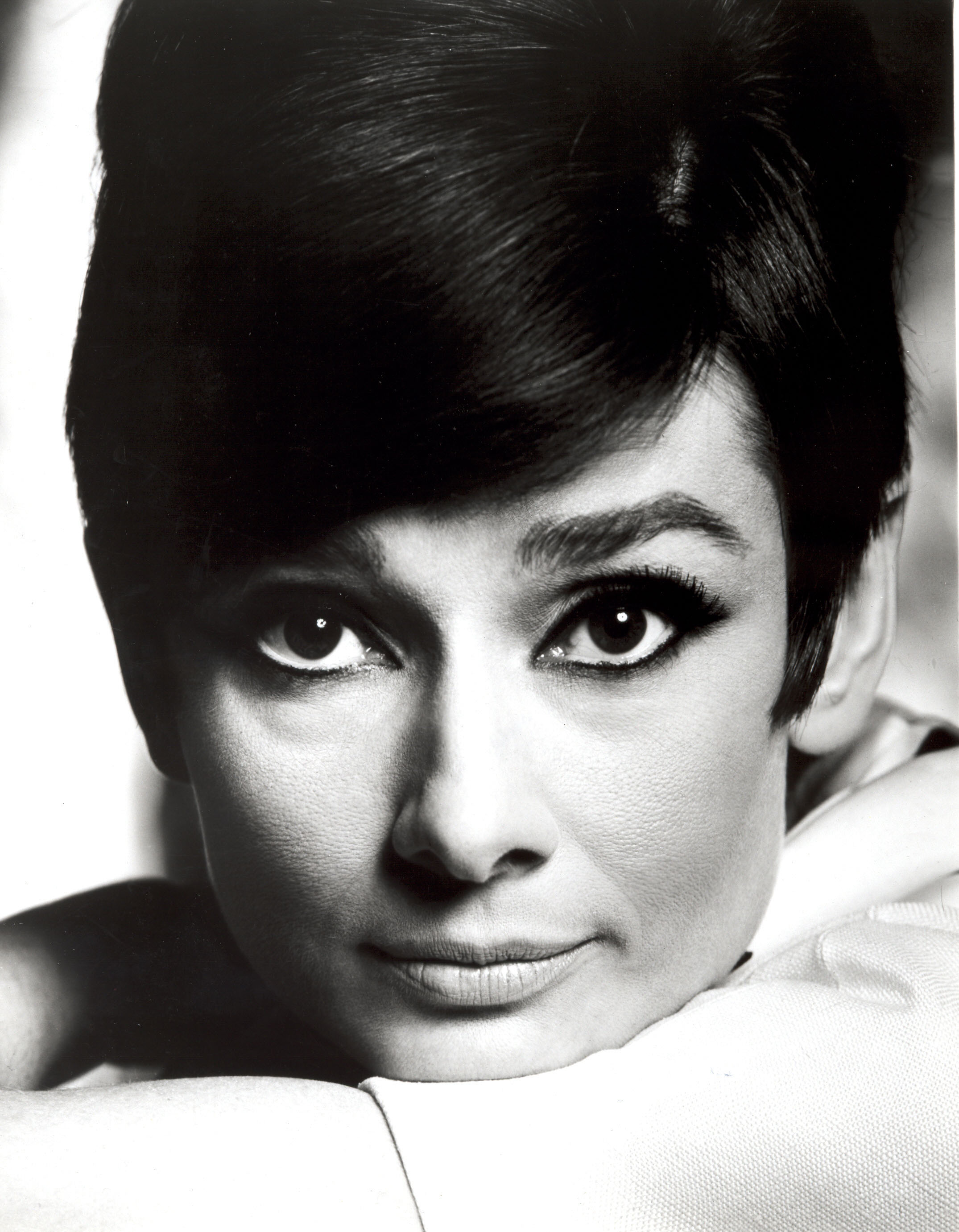 poze audrey hepburn actor poza 95 din 297. Black Bedroom Furniture Sets. Home Design Ideas