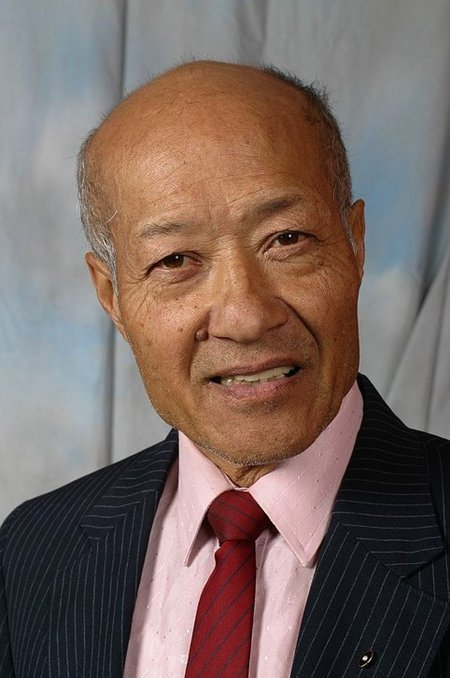 Aki Aleong Net Worth