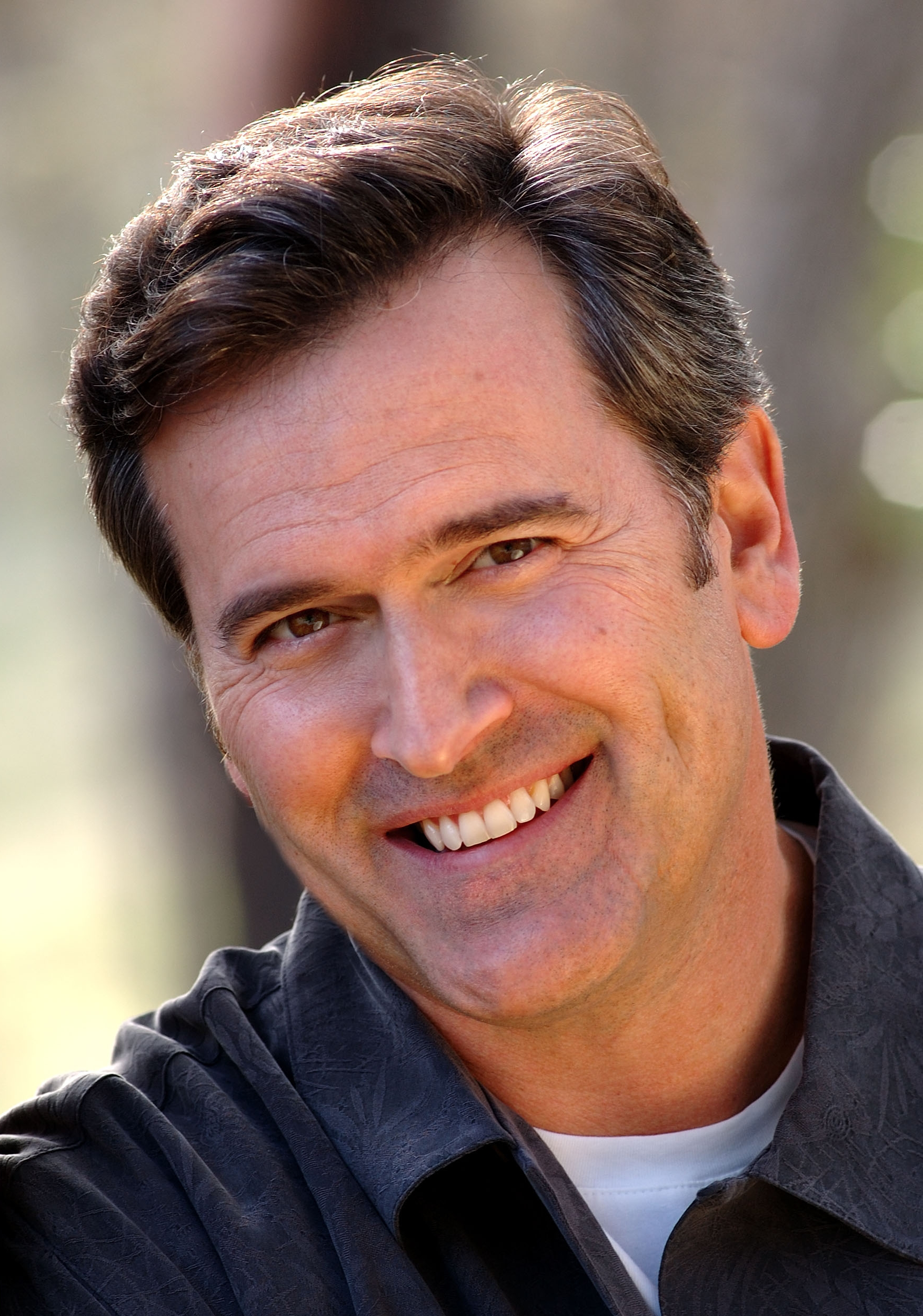 Bruce Campbell earned a  million dollar salary - leaving the net worth at 6 million in 2017