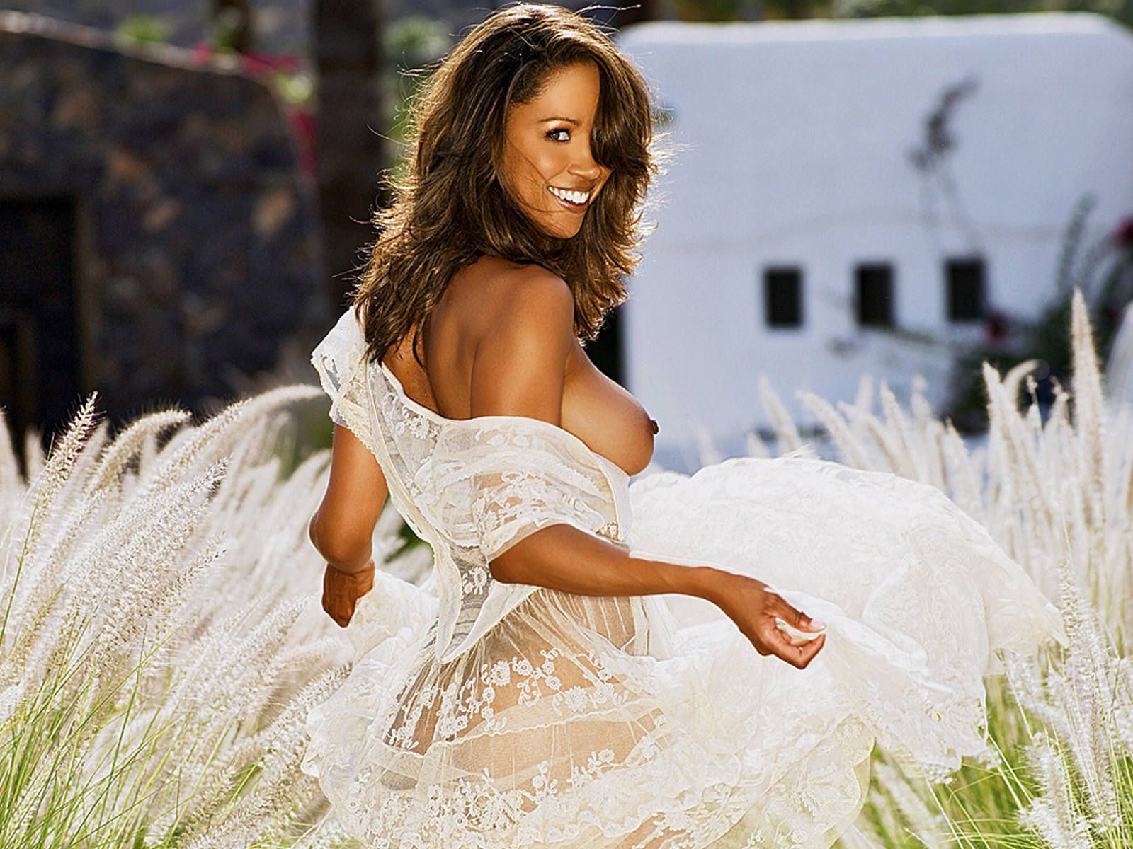 http://static.cinemagia.ro/img/db/actor/01/02/76/stacey-dash-135120l.jpg