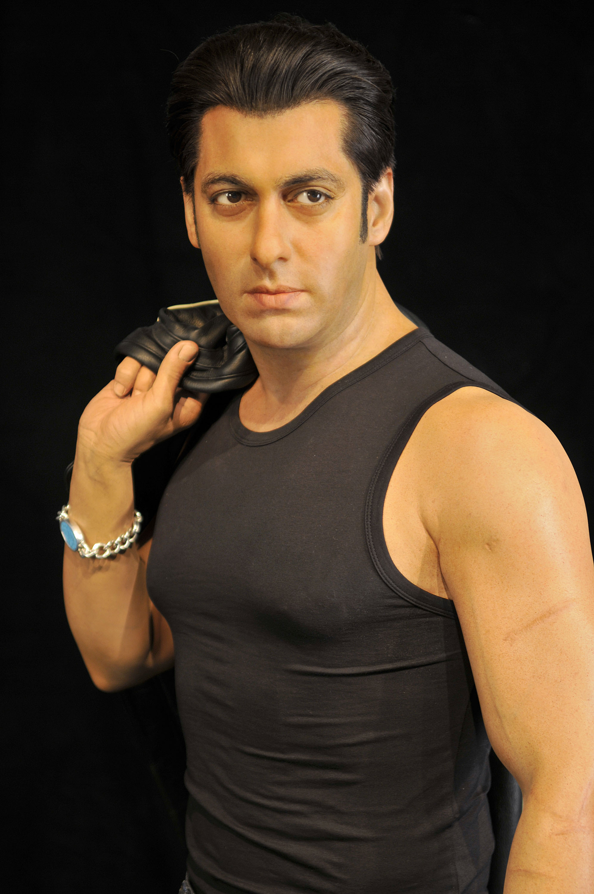 salman khan New delhi — the bollywood star salman khan was granted bail on saturday  while he appealed a conviction for killing two rare antelopes,.