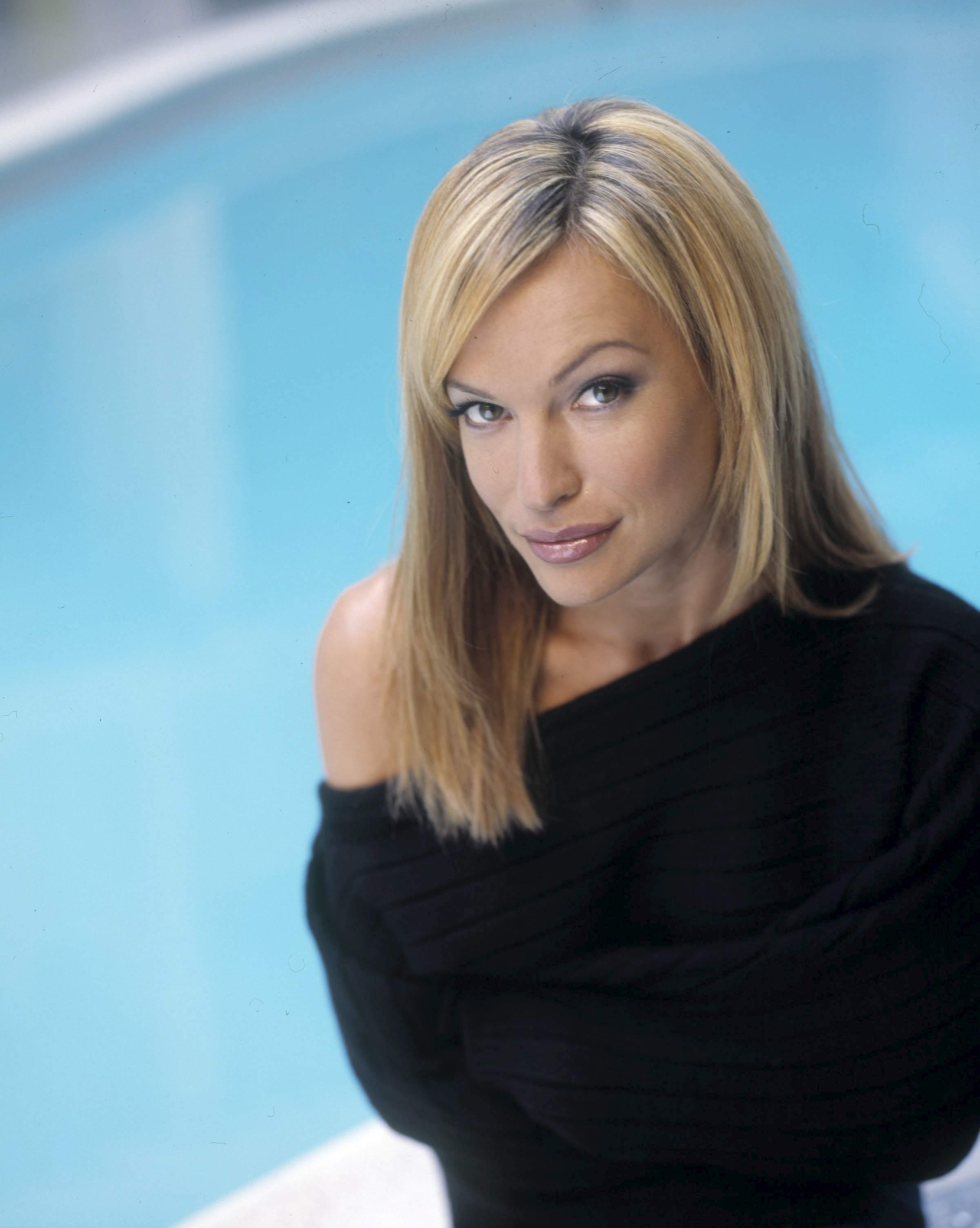 Poze Jolene Blalock - Actor - Poza 33 din 132 - CineMagia.ro