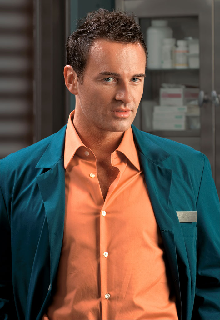 Julian McMahon - Photo Gallery