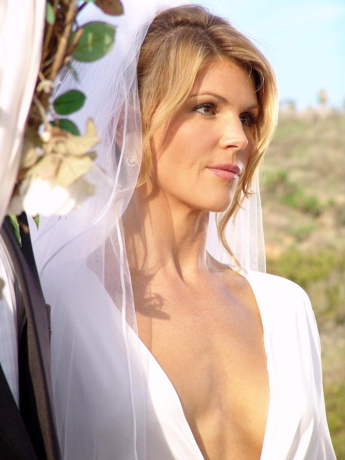 50 mujeres sexys de ms de 50 - Lori Loughlin 51