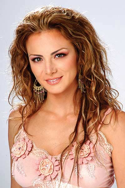 http://static.cinemagia.ro/img/db/actor/02/48/25/silvia-navarro-807898l.jpg