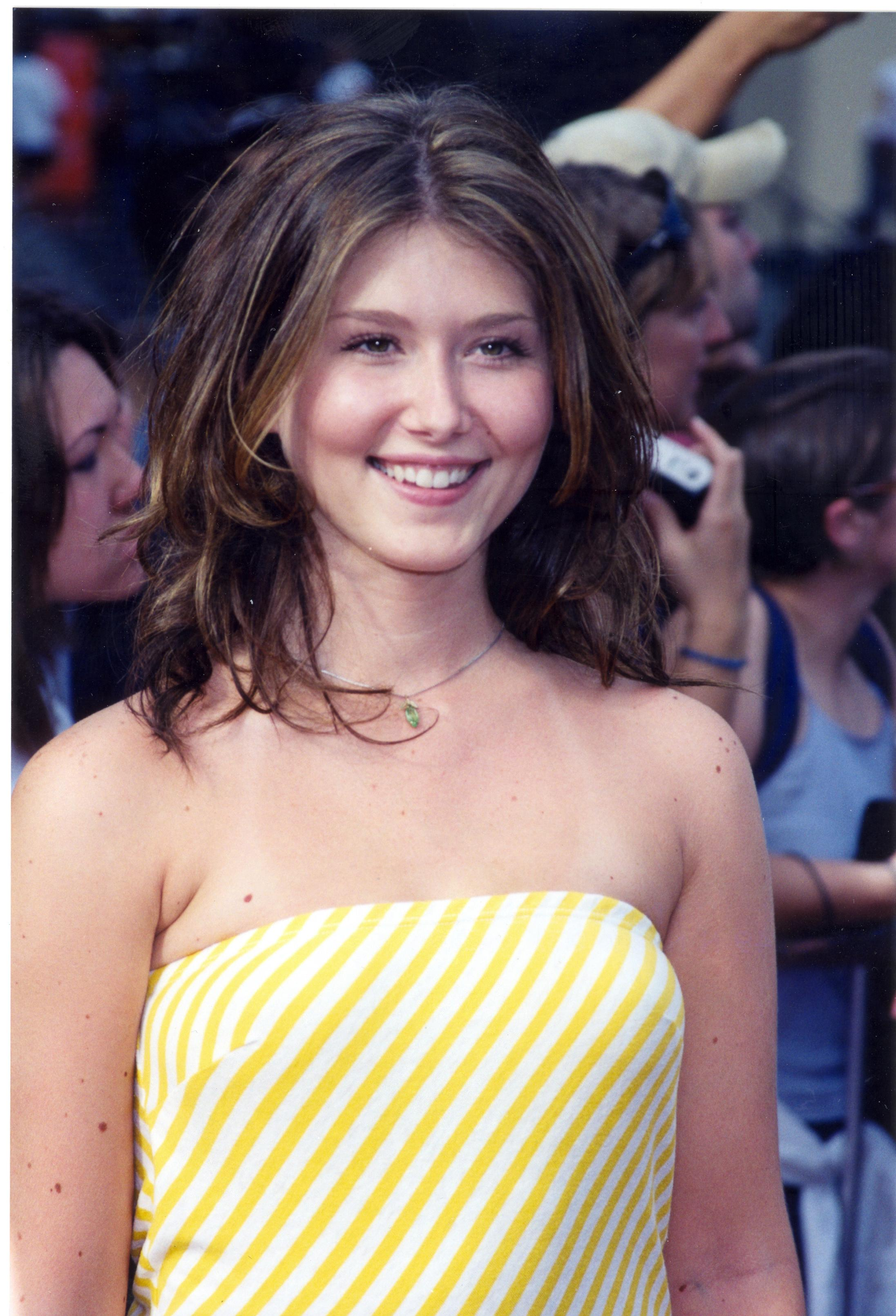 Jewel Staite - Wallpaper