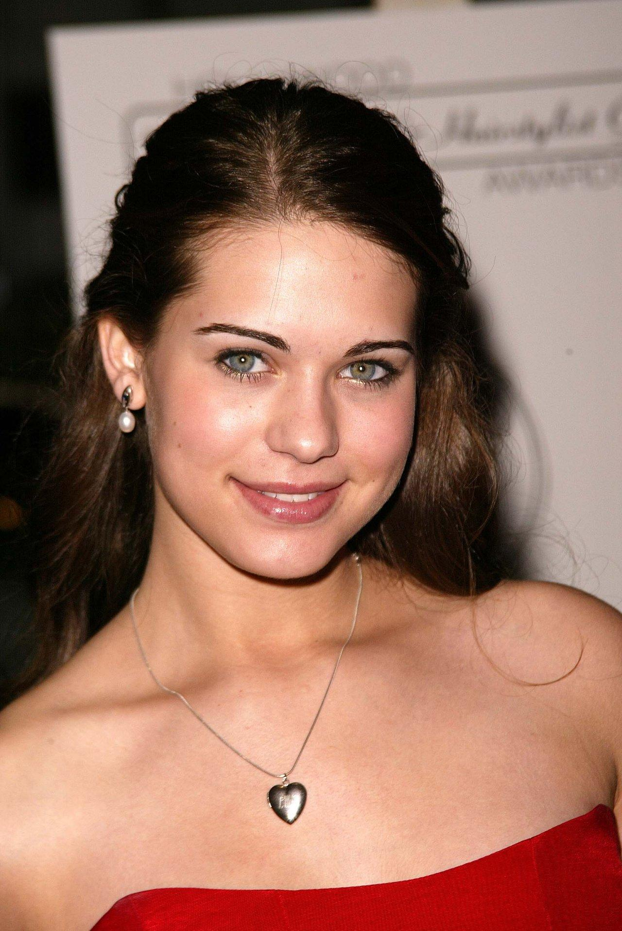 Lyndsy Marie Fonseca - Photo Colection