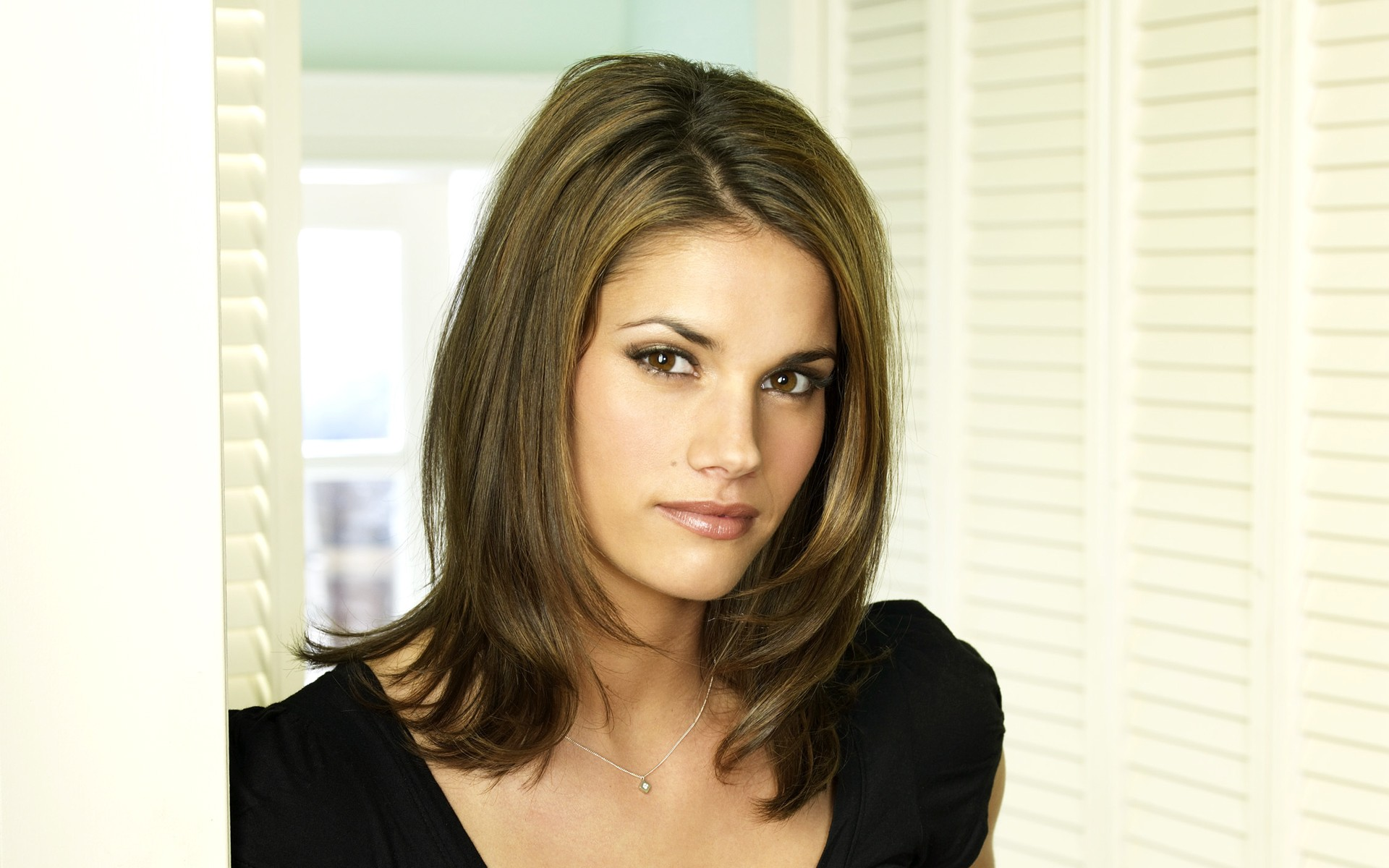 Missy Peregrym - Beautiful Photos