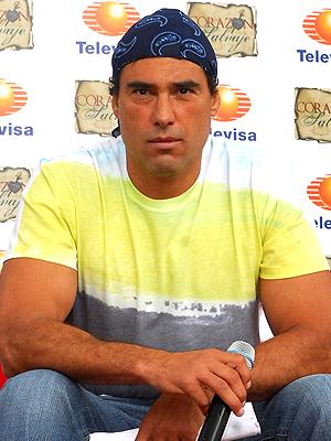 Poze rezolutie mare Eduardo Yáñez - Actor - Poza 7 din 32 ...