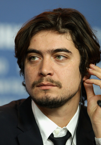 Riccardo Scamarcio - Wallpaper Gallery