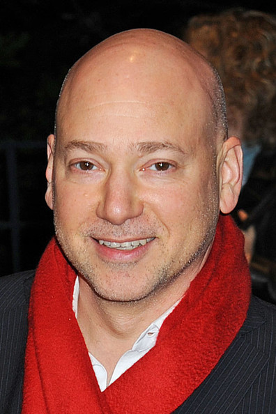 The 56-year old son of father Murry Handler and mother Enid Handler, 173 cm tall Evan Handler in 2017 photo