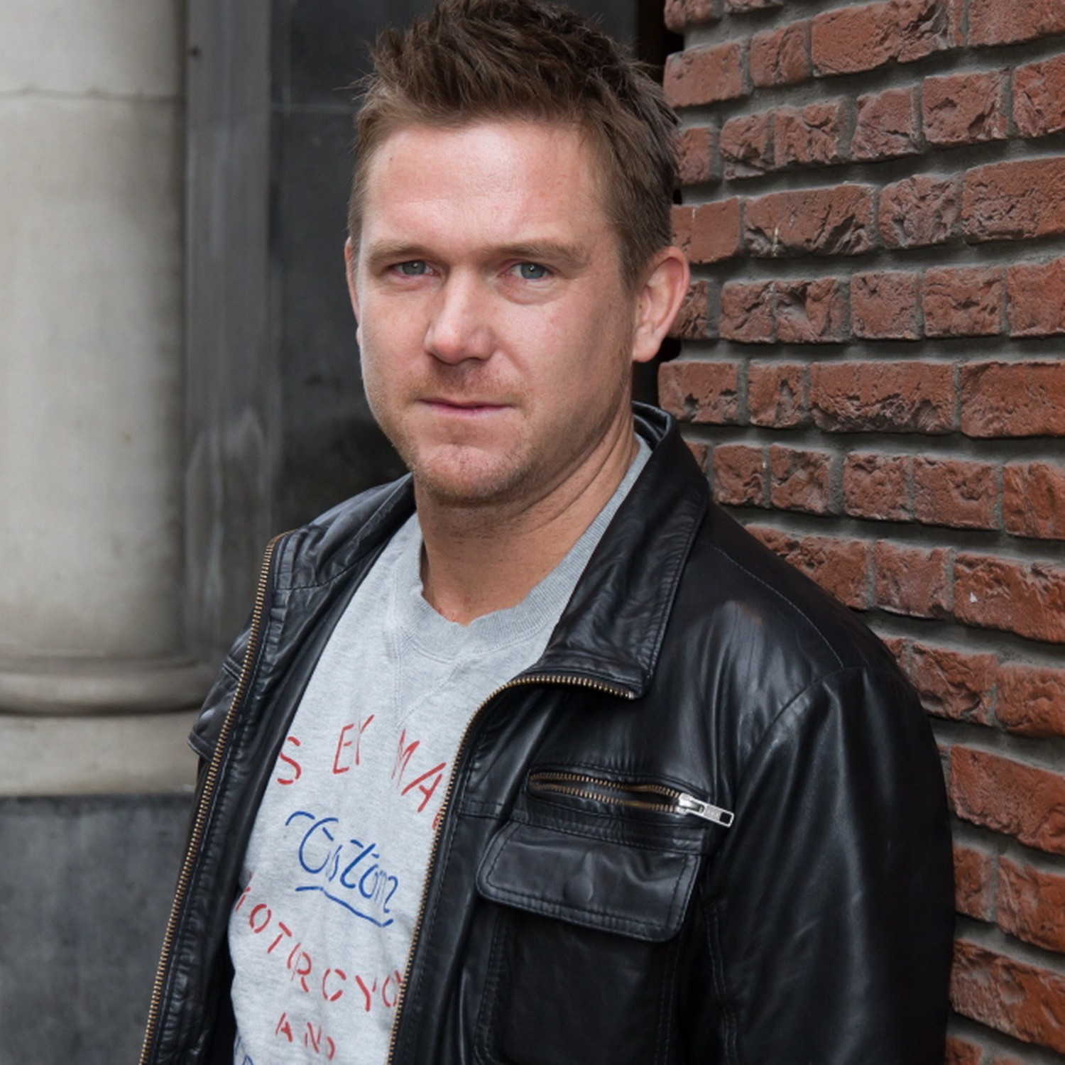 Johnny de Mol earned a  million dollar salary - leaving the net worth at 6 million in 2018