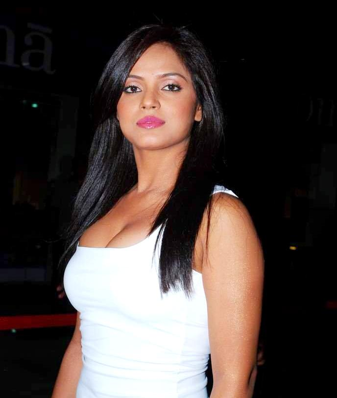 Poze Neetu Chandra Actor Poza Din Cinemagiaro