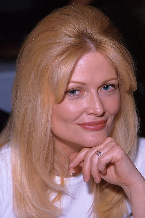 Debra Jo Fondren (g15u8-19.jpg)