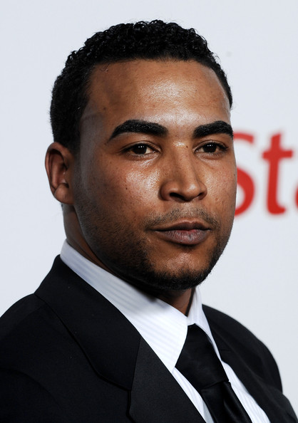 The 39-year old son of father (?) and mother(?), 182 cm tall Don Omar in 2017 photo