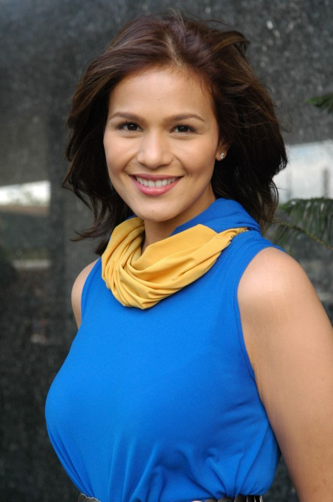 Iza Calzado - Wallpaper Actress