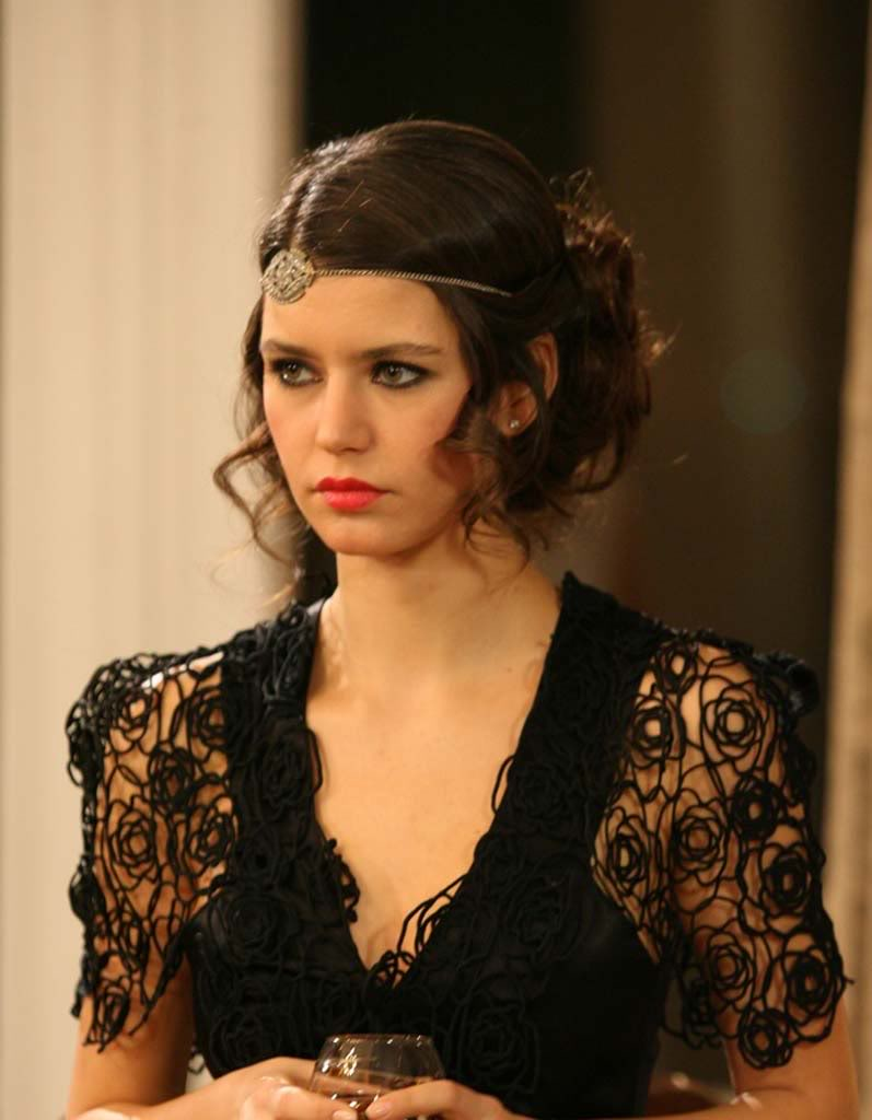http://static.cinemagia.ro/img/db/actor/14/55/20/beren-saat-990565l.jpg