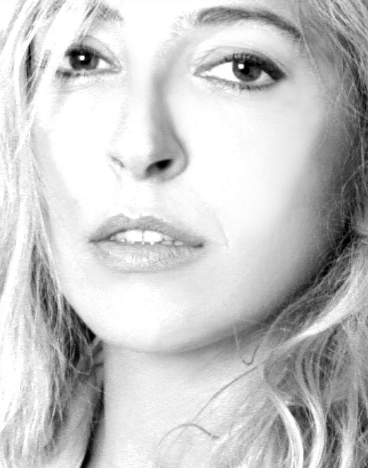 Anna Azcona Nude Photos 98