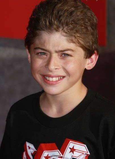 Ryan Ochoa - Actor - CineMagia.ro