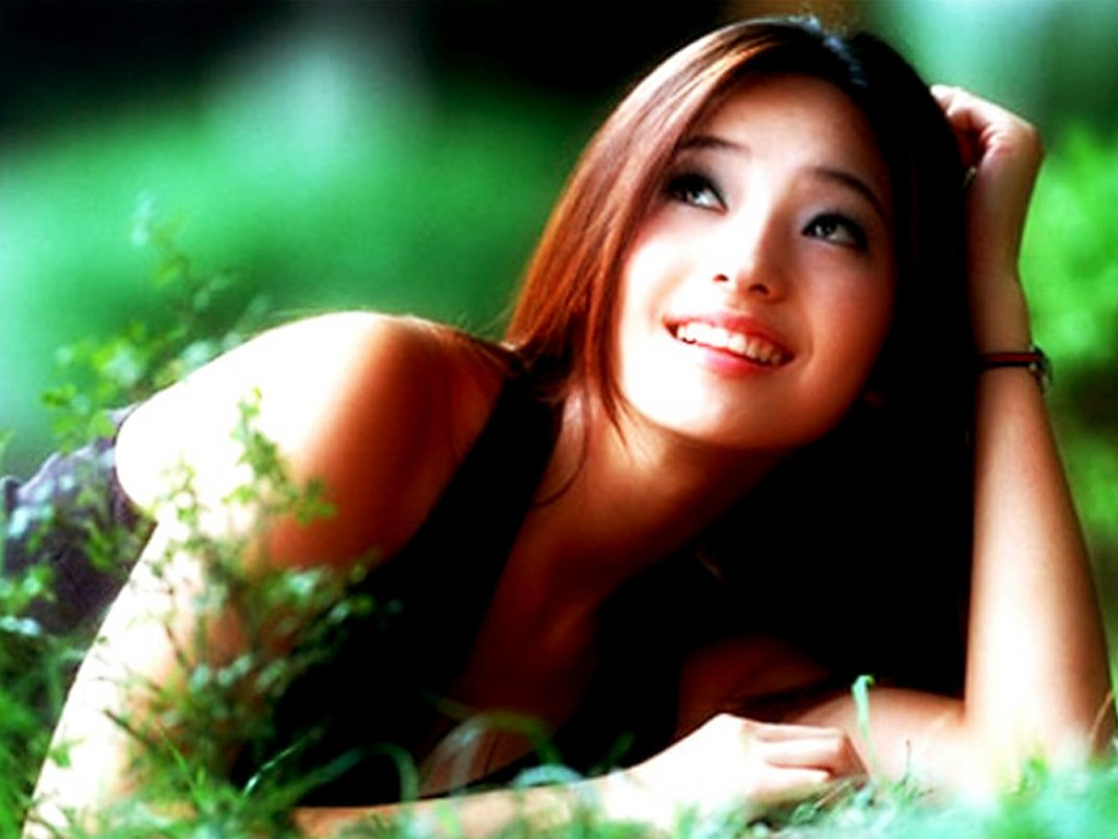 Chae-young Han - HD Wallpapers