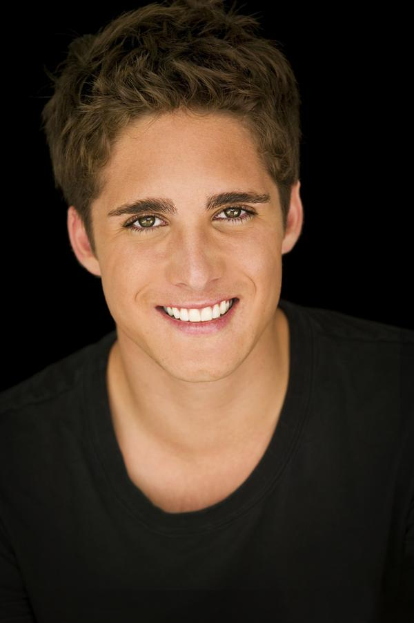 diego boneta actor cinemagiaro