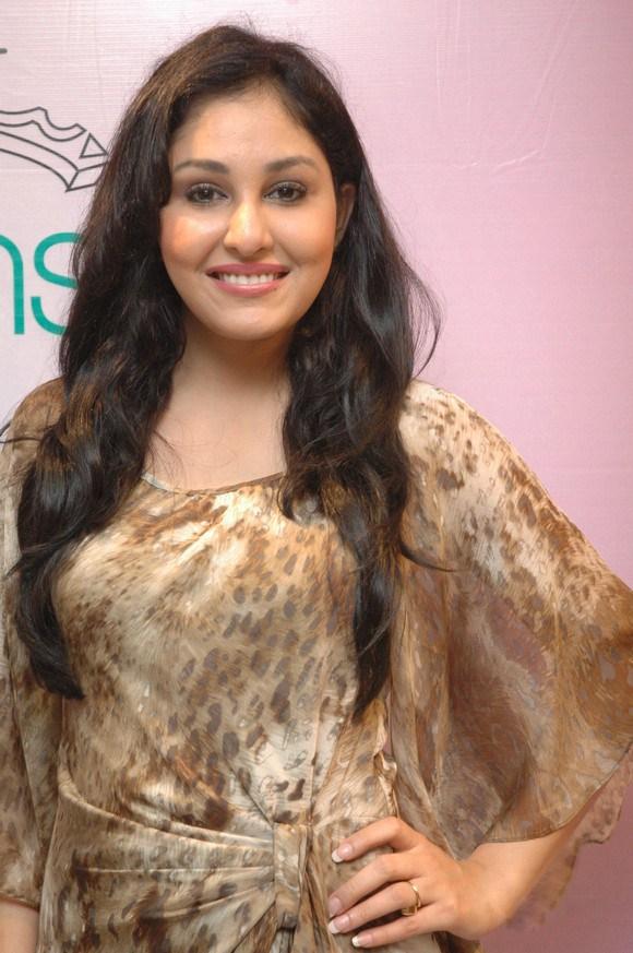 Vijay singh mallika sherawat age difference in dating 9