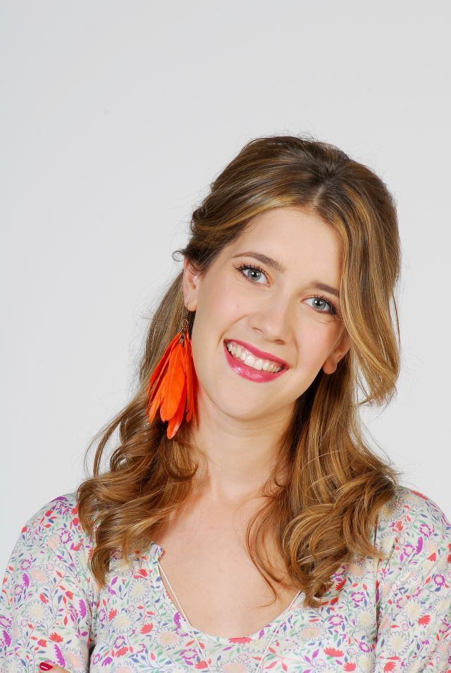 Cristina Valenzuela Violetta Poze Clara Alon...