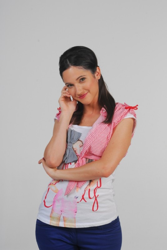 Cristina Valenzuela Violetta Poze Lodovica Comello ...