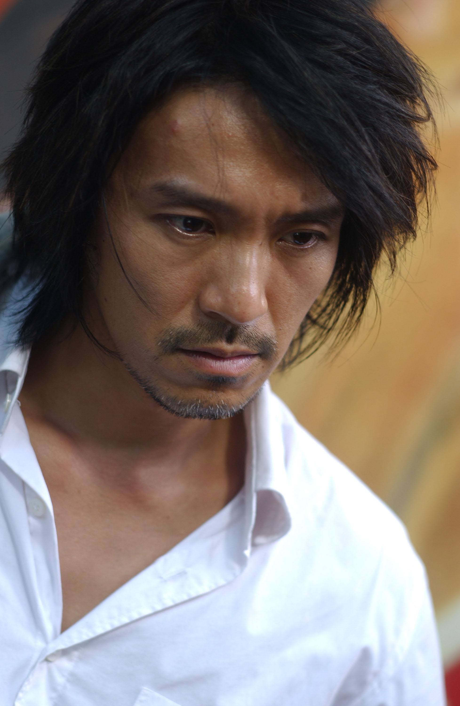 Stephen Chow în Kung Fu Hustle Vezi imaginea la rezoluţie maximă - kung-fu-769526l
