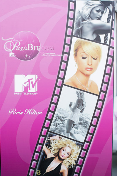 Poster Paris Hilton's My New BFF