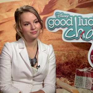 Imagini good luck charlie it 39 s christmas 2011 for Charlie cu tattoo