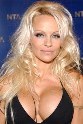 Pamela Anderson - poza 1