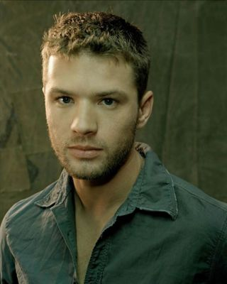 http://static.cinemagia.ro/img/resize/db/actor/00/32/57/ryan-phillippe-578241l-poza.jpg