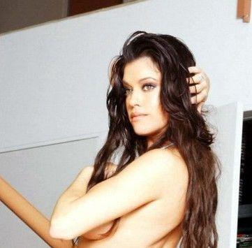 Mia Zottoli naked 705