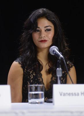 Vanessa Hudgens - Pagina 3 Vanessa-hudgens-697831l-poza
