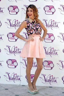 Cristina Valenzuela Violetta Poze Martina St...