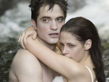 Sinopsis şi fotografii noi pentru Twilight Saga: Breaking Dawn - Part 1