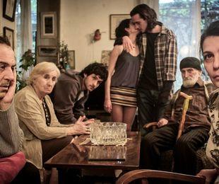 Familia mea fericită: cataclismul din sufragerie