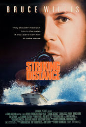 Poster Striking Distance