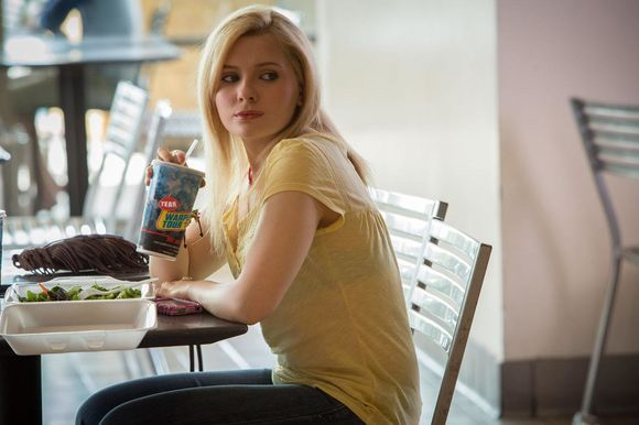 Abigail Breslin în The Call