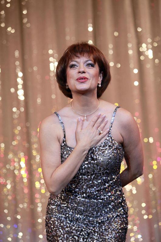 "Adriana Trandafir: ""Fericirea vine doar daca vrei sa o ...   Adriana Trandafir"