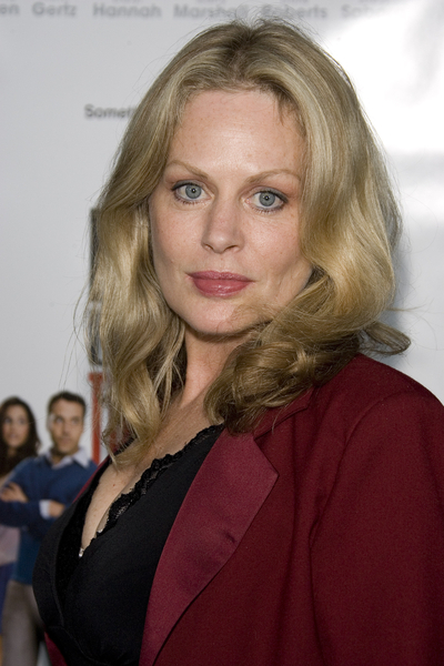 Poze Beverly D'Angelo - Actor - Poza 14 din 17 - CineMagia.ro