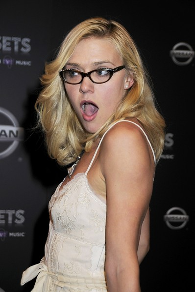 Amber heard topless in the informers scandalplanetcom - 2 2