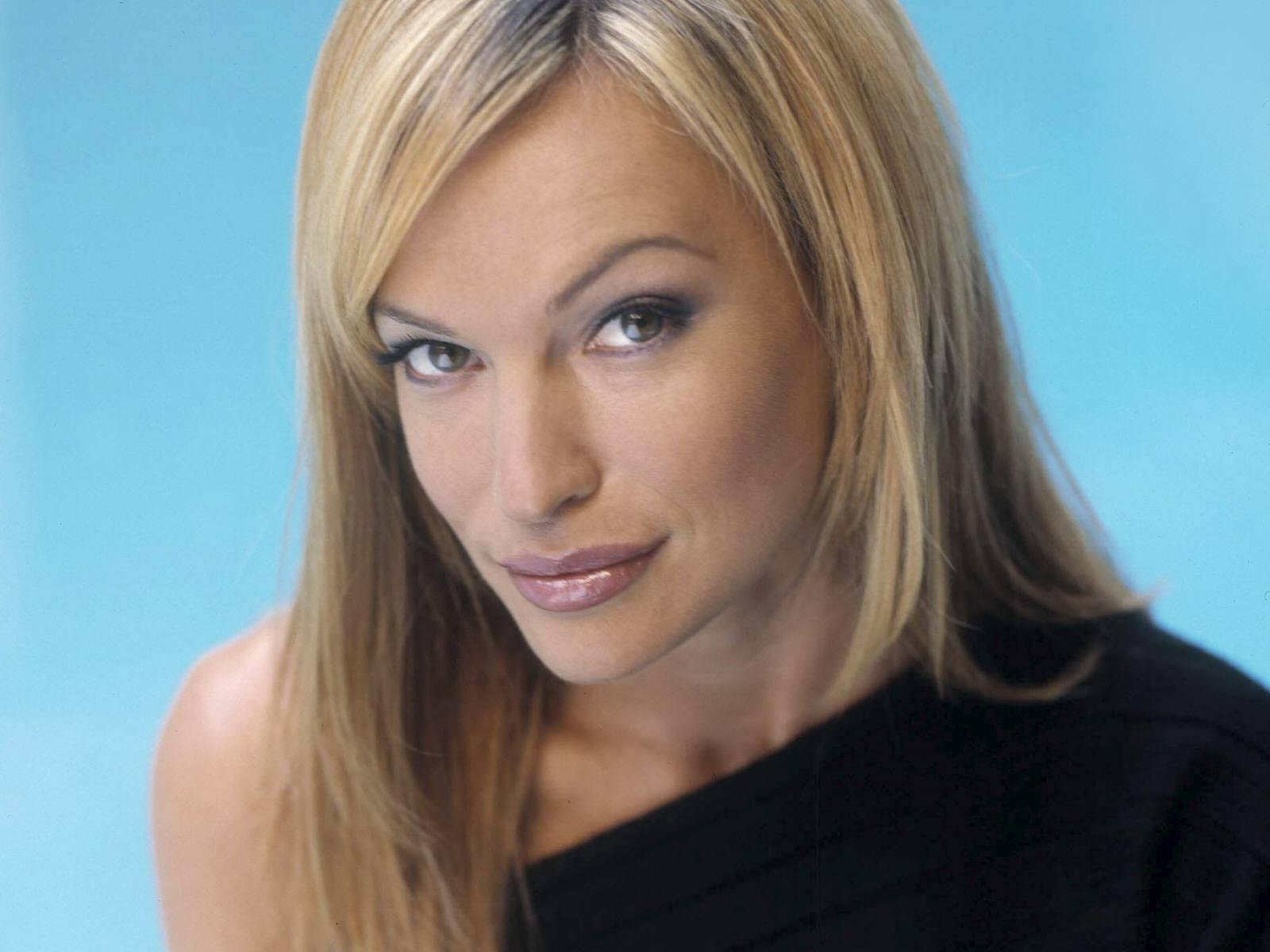 Poze Jolene Blalock - Actor - Poza 91 din 132 - CineMagia.ro