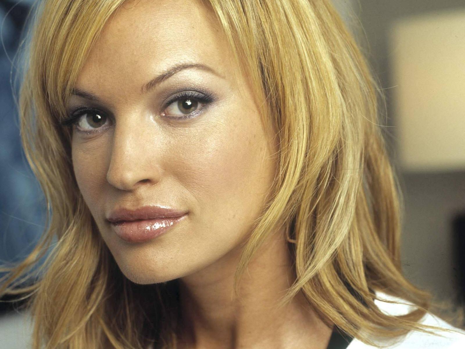 Poze Jolene Blalock - Actor - Poza 36 din 132 - CineMagia.ro