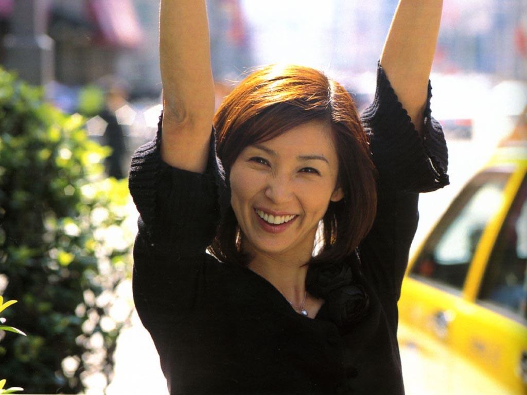 Watch Hitomi Kuroki video