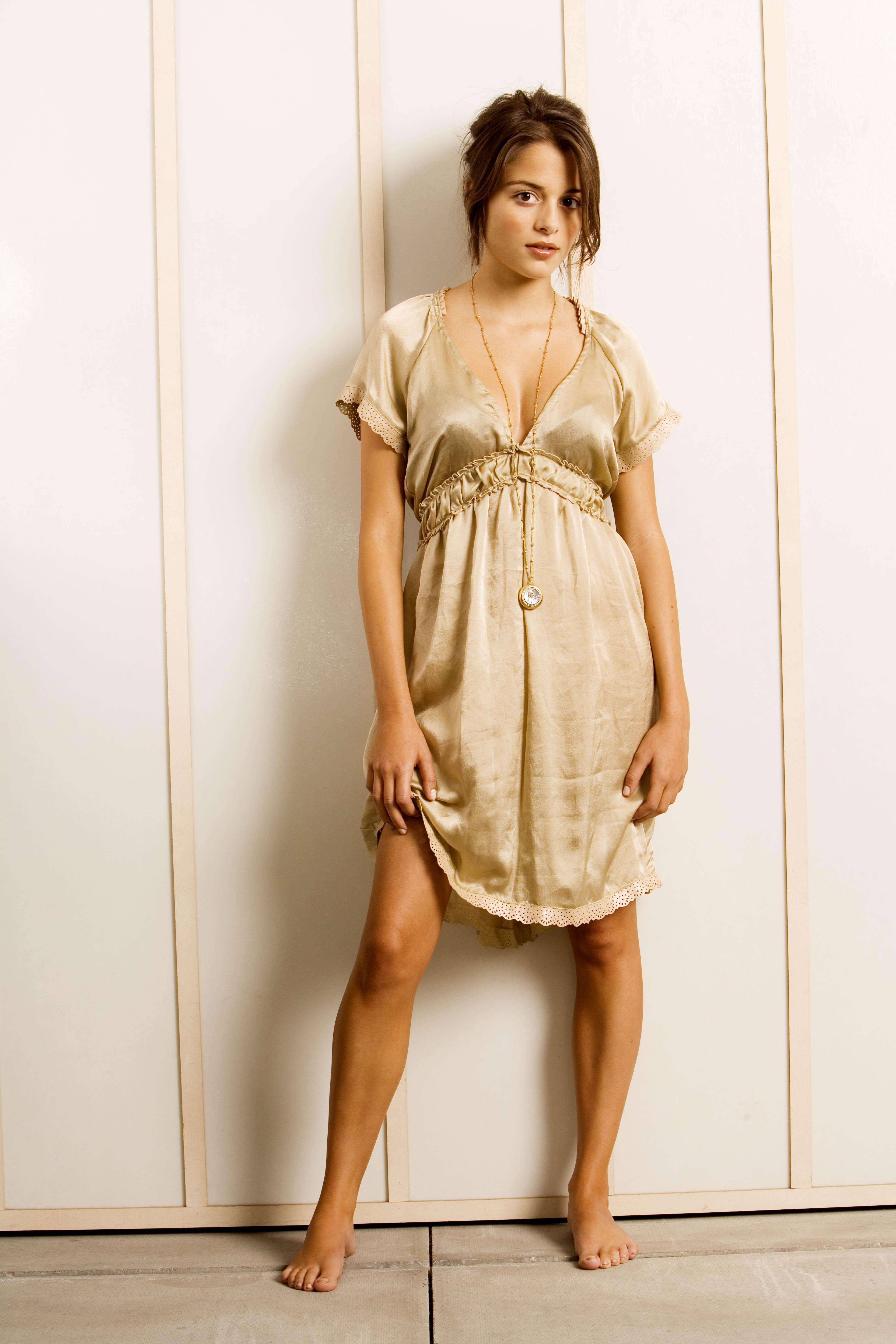 Poze Stephanie Leonidas Actor Poza 11 Din 34