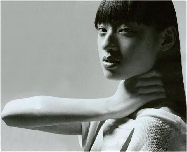 poze chiaki kuriyama actor poza 2 din 34. Black Bedroom Furniture Sets. Home Design Ideas