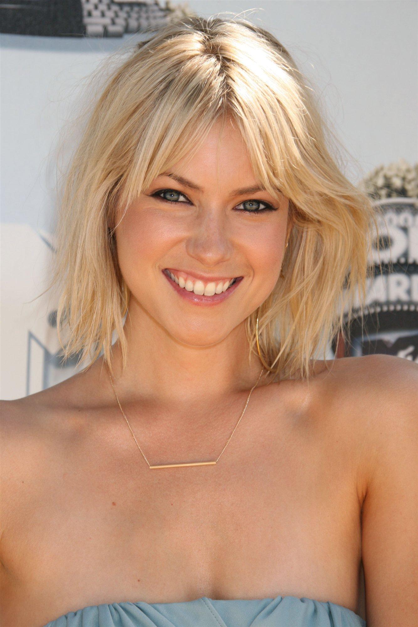 Celebrities nude movie photo 878